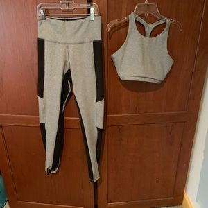 Strut this yoga outfit